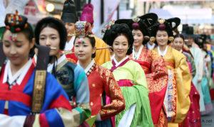 Olympia_Wintersport_Seoul_Pyeongchang_Südkorea_Fernost_Fernweh_Reisen_traditionelle Kleidung_Konfuzianismus