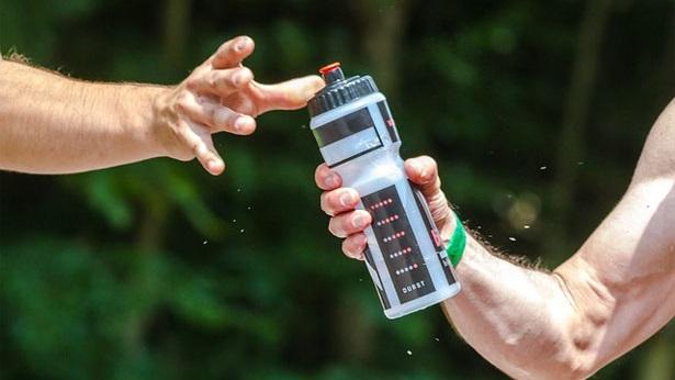 Sport bei Hitze Trinken