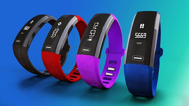 Fitness Tracker in verschiedenen Varianten