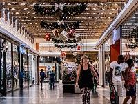 Dispofalle Geschenkekauf: Kredite als bessere Alternative zum hohen Dispozins